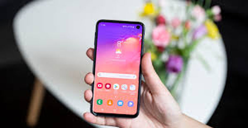 Samsung Galaxy S10E Feature Review